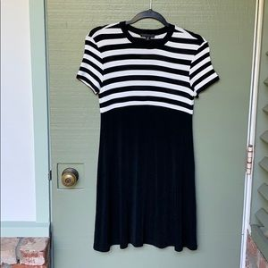 VINTAGE BCBG- size petite L black and white dress